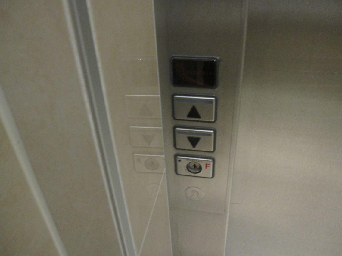 宿泊した階にあるエレベータ