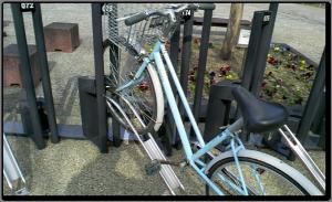 駐輪場に自転車を・・・