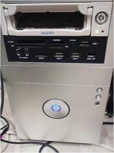 デスクトップの筐体