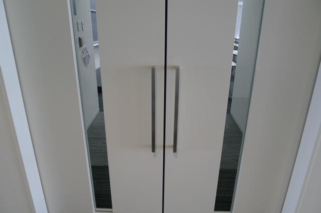 どちら方向に扉を開ける?